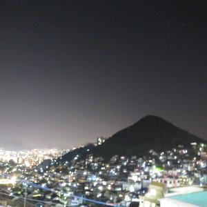 長崎の穴場夜景スポット - ララプレイス愛宕店から見える愛宕山(愛宕神社)