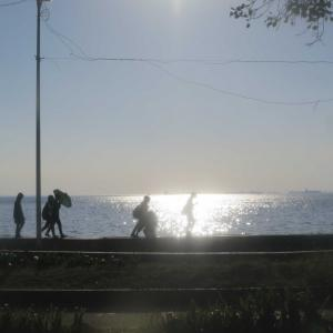 世界三大夕日!フィリピン・マニラ湾のきらめく夕陽。プラザ・モリオーンズとサンチャゴ要塞