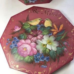 Octagon sweet box.  オクタゴン バレンタインボックス