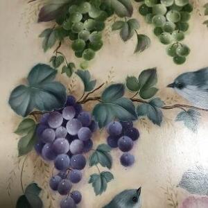 which grapes do you like?  どちらの葡萄を好きですか?