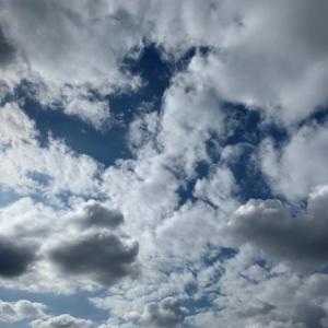 空に浮かぶ雲のように・・