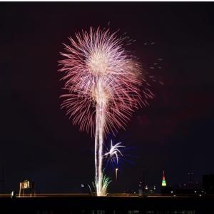 新型コロナウイルスの終息を願う花火❗️日本各地で一斉に❗️