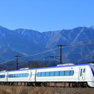 中央東線の南アルプスバックを行くE353系他(長坂~小淵沢)