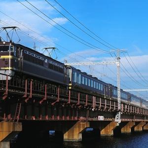 東海道本線の神崎川橋梁を行く懐かしのEF65-123号機牽引の「ゆうゆうサロン岡山」(尼崎~塚本)