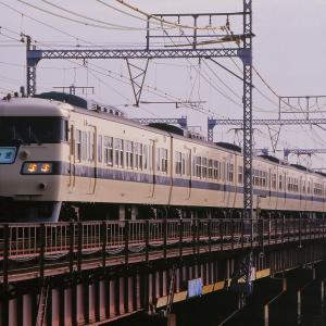 東海道本線の神崎川橋梁を行く懐かしの117系電車他(塚本~尼崎)