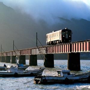 京都丹後鉄道の由良川橋梁を行くキハ形他(丹後神崎~丹後由良)
