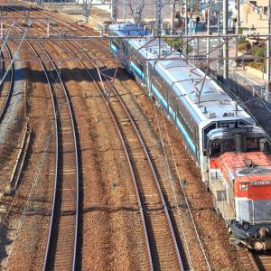 東海道本線の加島陸橋を通過するDE10ー1743号機牽引のGVEー400系甲種輸送他(塚本信~尼崎)