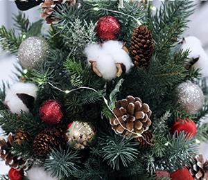 クリスマスレッスン★季節のアレンジメントでX'masツリーを作られました!