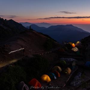 燕岳の夜明け