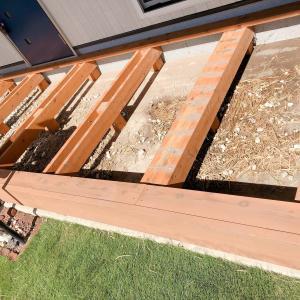台風後の片付け 用水路の溢れで大量の藁ゴミが!