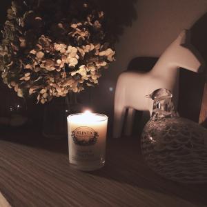 秋の夜長の過ごし方 キャンドルを灯すリラックスタイム