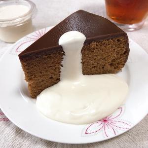 葉山 フリューリングのケーキとマーロウ のプリン