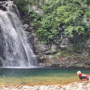 矢沢の滝へ