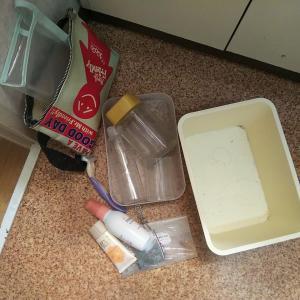 【100捨て】41~45:メイク品、空き容器、賞味期限切れ食品、sunasuna、ストール