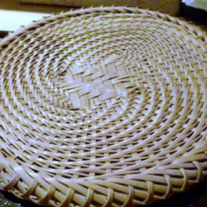 蕎麦盛りつけの竹笊