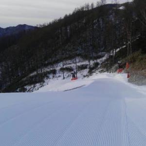 スキーシーズン 雪が少ないけどいろいろな工夫