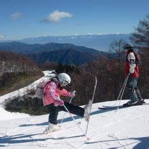スキーシーズン 「冬の楽しみ温泉とスキー」