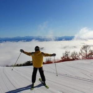 スキーと雲海