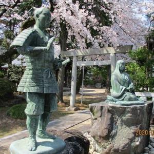 堀尾金助とその母像(大口町)