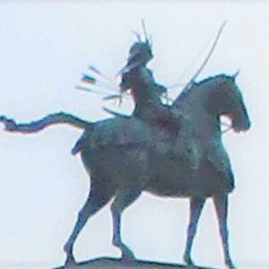 徳川家康騎馬像(東岡崎駅前)