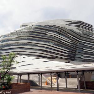 香港・マカオへほぼ無料旅行! /  Vol.5 ザハ・ハディド設計「香港理工大学・ジョッキー・クラブ・イノベーション・タワー」を見学しに行ってみた