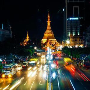 ちょっと大変だった初めてのミャンマー旅行 /  Vol.11 ヤンゴンの中心「スーレーパゴダ(Sule Pagoda)」に行ってみた〜ヤンゴンって思ってたよりずっと都会だった〜