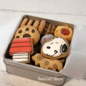 不動の人気!SNOOPYクッキー缶