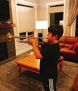 5年生、first Year Band トランペットで練習開始!