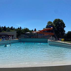 晴天土曜日は外プールで弾ける!