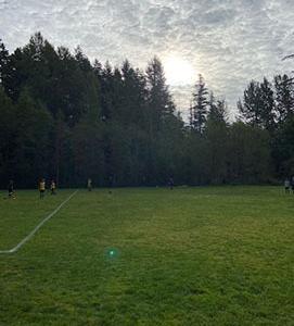 秋のサッカーシーズン始まってます、ゴーゴー、ボルケーノズ!