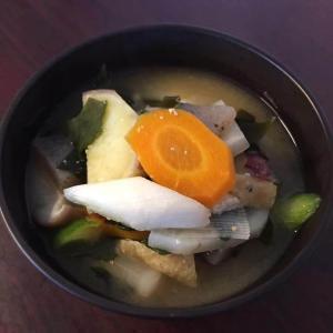 今日のお食事「さつまいものお味噌汁」