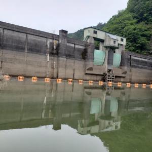 東古屋湖でボートトラウト釣りにチャレンジ!あらゆる手を尽くして攻略せよ!