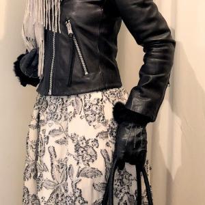 DoCLASSEで買った ジャガードのフラワースカートのコーデ