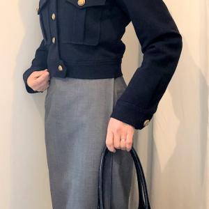 ショートジャケットと ロングタイトスカートのコーデ