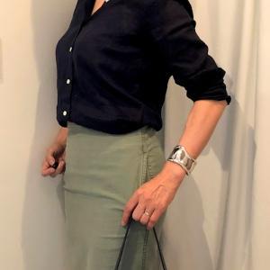 マディソンブルーのタイトスカートのコーデ