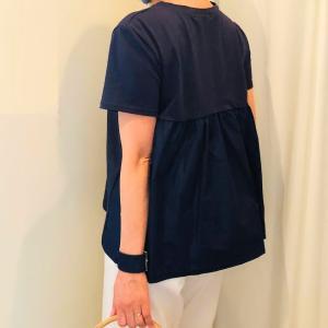 裾がフレアなTシャツって 一枚でサマになる!