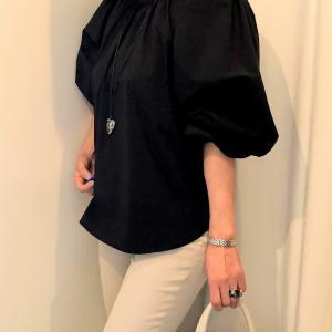 韓国ファッションサイトは使える!ふんわり袖ブラウスのコーデ