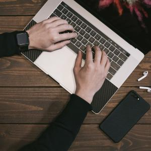 各企業様の商品データをコピー&ペーストする簡単なお仕事