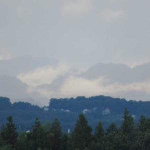 灰色の空!