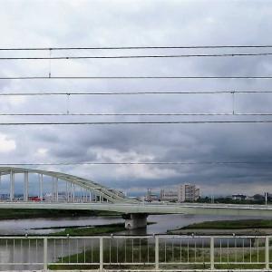 梅雨の多摩川をパノラマ風にしてみた