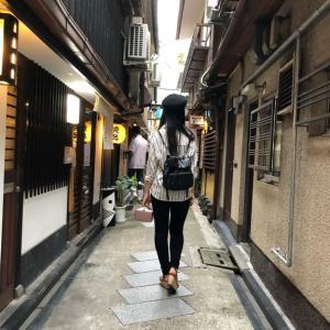 京都河原町のせまーい裏路地が大好きです。