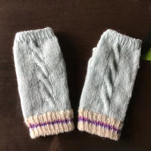 スマイルベビー糸で手触り抜群の手袋❣️