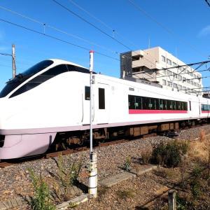 晩秋の常磐線特急E657系ときわ号・・