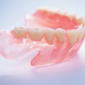 入れ歯づくりは時間もお金もかかるので本当に要注意なのであります~母親の認知症~