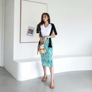 変形ラウンドパターンタイトスカート