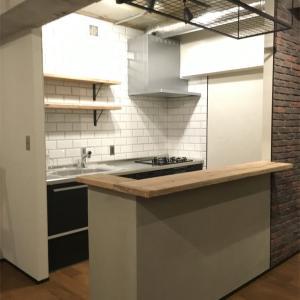 【壁付けキッチンのレイアウト】LDKを広く使うための収納と間取り
