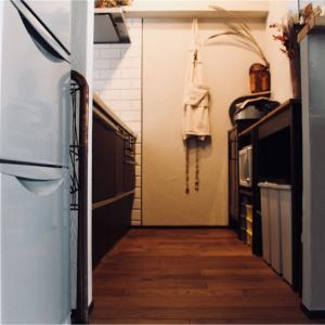 キッチンに無垢フローリングは向かないはウソだった⁉︎ 水まわりにこそ無垢床を!