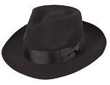 帽子の人も
