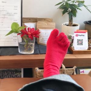 【赤い靴下】昨年末くらいから赤い靴下が欲しくて。ようやく届きました♪赤と言っ...