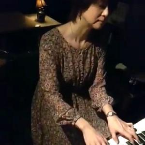 金曜の夜は、バルハルヤさんでBGM演奏でした♪